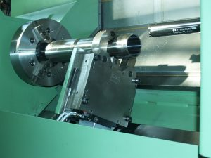 Hydraulic CNC steady rest
